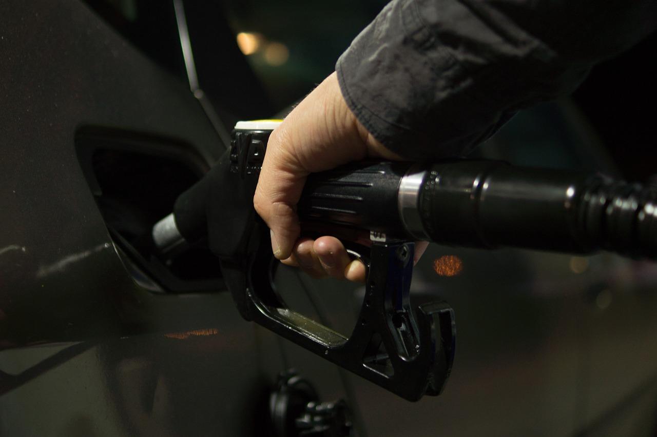 Combustible sube de precio